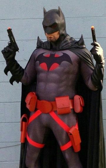 batman vs superman cosplay rojo