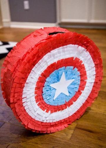 piñatas de superheroes capitan america