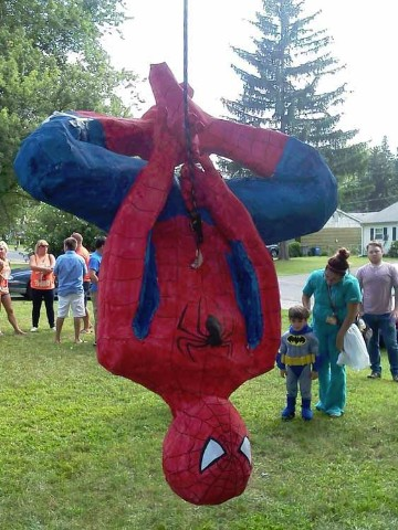 piñatas de superheroes spiderman