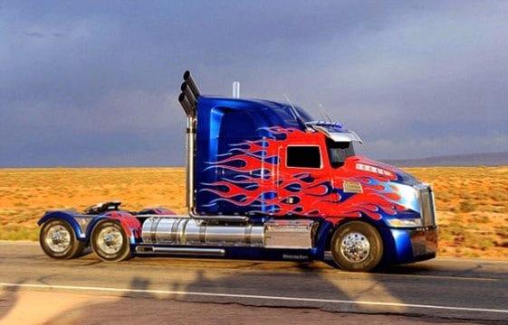 imagenes de optimus prime en camion